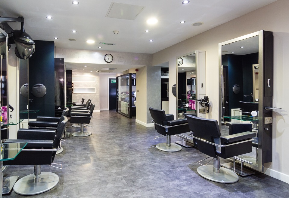 RECEIVE £15 CREDIT TOWARDS A HAIR PRODUCT ON YOUR FIRST VISIT